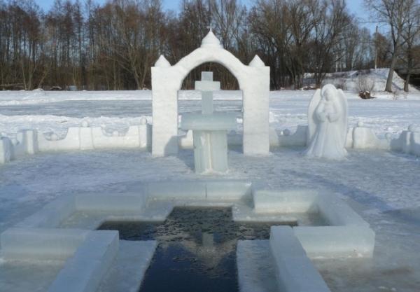 Крещение Господне 2017 - традиции, история, молитва, когда и как купаться, приметы, крещенская вода